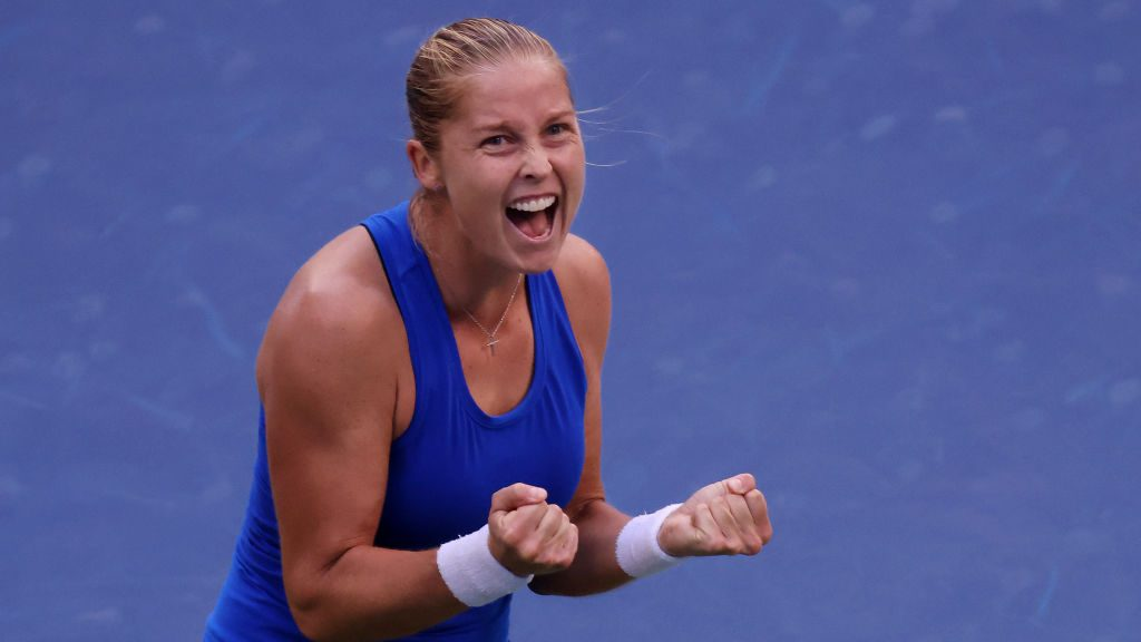 Shelby Rogers celebrates after defeating Petra Kvitova at the 2020 US Open